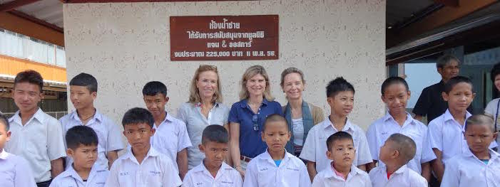 New sanitary installations at Wat Tungnangam school