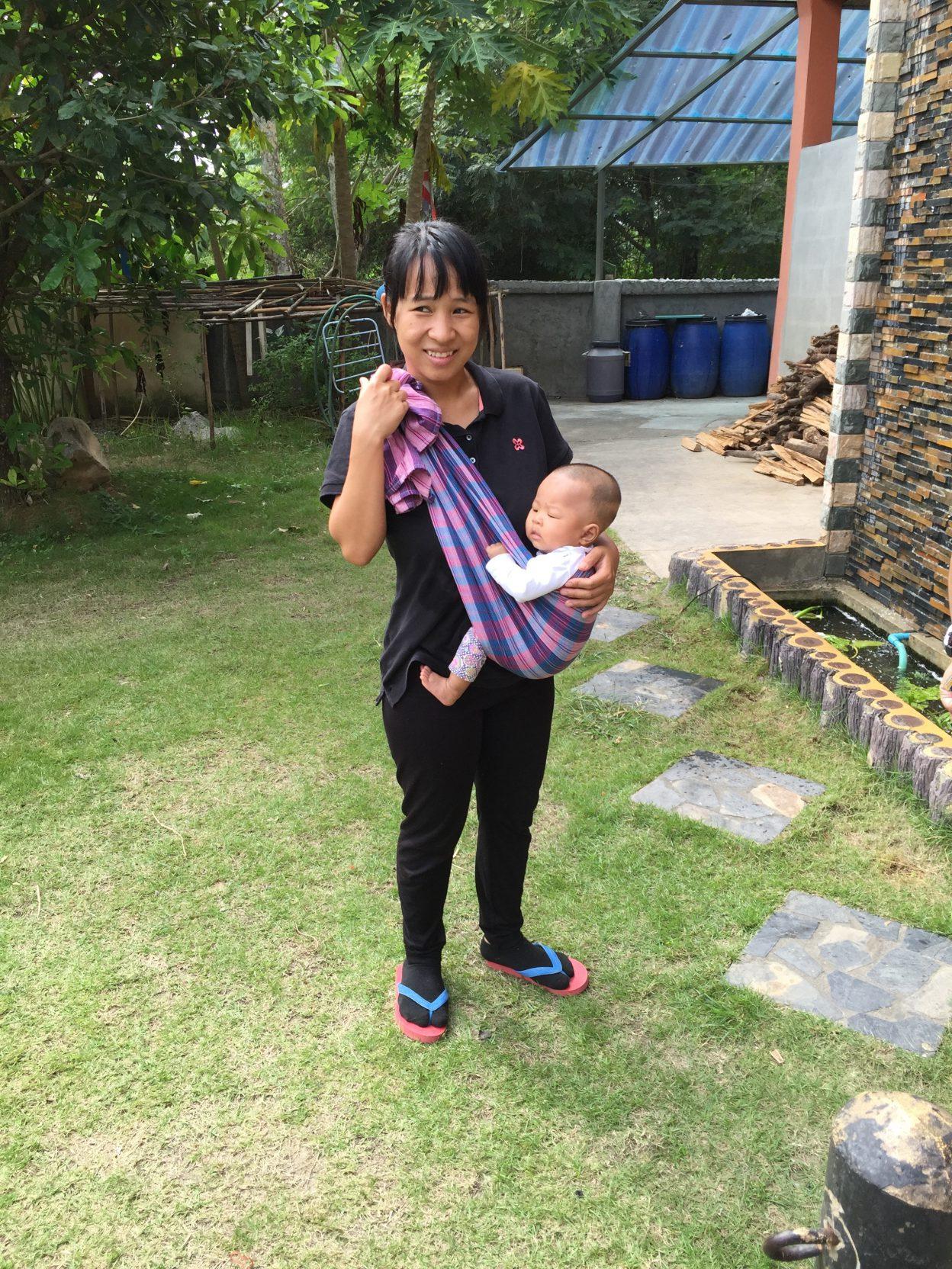 jeune-maman-et-son-bebe